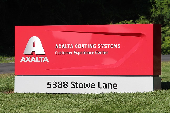 8 Axalta Customer Experience Close Up Sign web