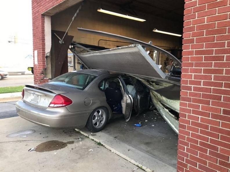 Car Slams Auto Shop Monroe