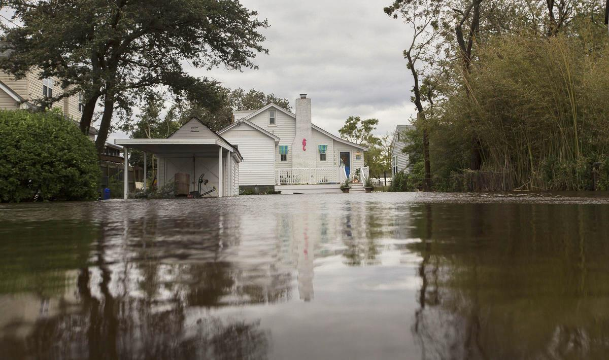 Insurance claims pour in after hurricane, and some ...