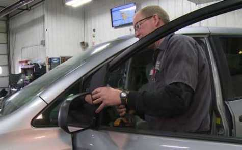 Eau Claire, WI, Auto Body Shop Sees Increase in Side Mirror Repairs
