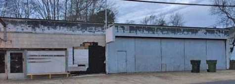 The Magnolia Planning Commission voted down a request to allow this former auto repair shop on North Dudney to be reopened as a body shop.
