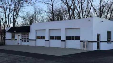 South Louisville Paint and Body, at 7105 Southside Drive, has been sold to Glaser's Collision Centers, another local company.
