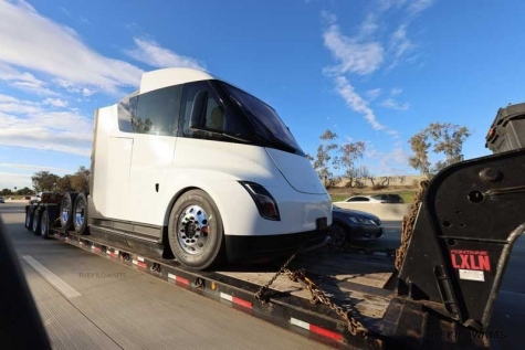 New Tesla Semi Spotted in Sacramento